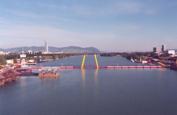 "Schwimmsteg ""Copa Cagrana"" - Neue Donau km 12.625"