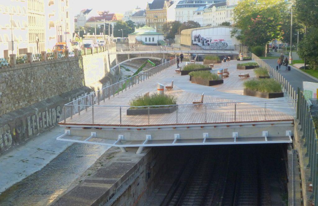 Wientalterrasse und Brücke
